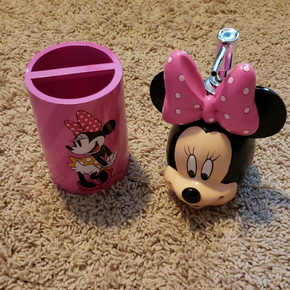 Other Minnie Mouse Bathroom Accessories Poshmark